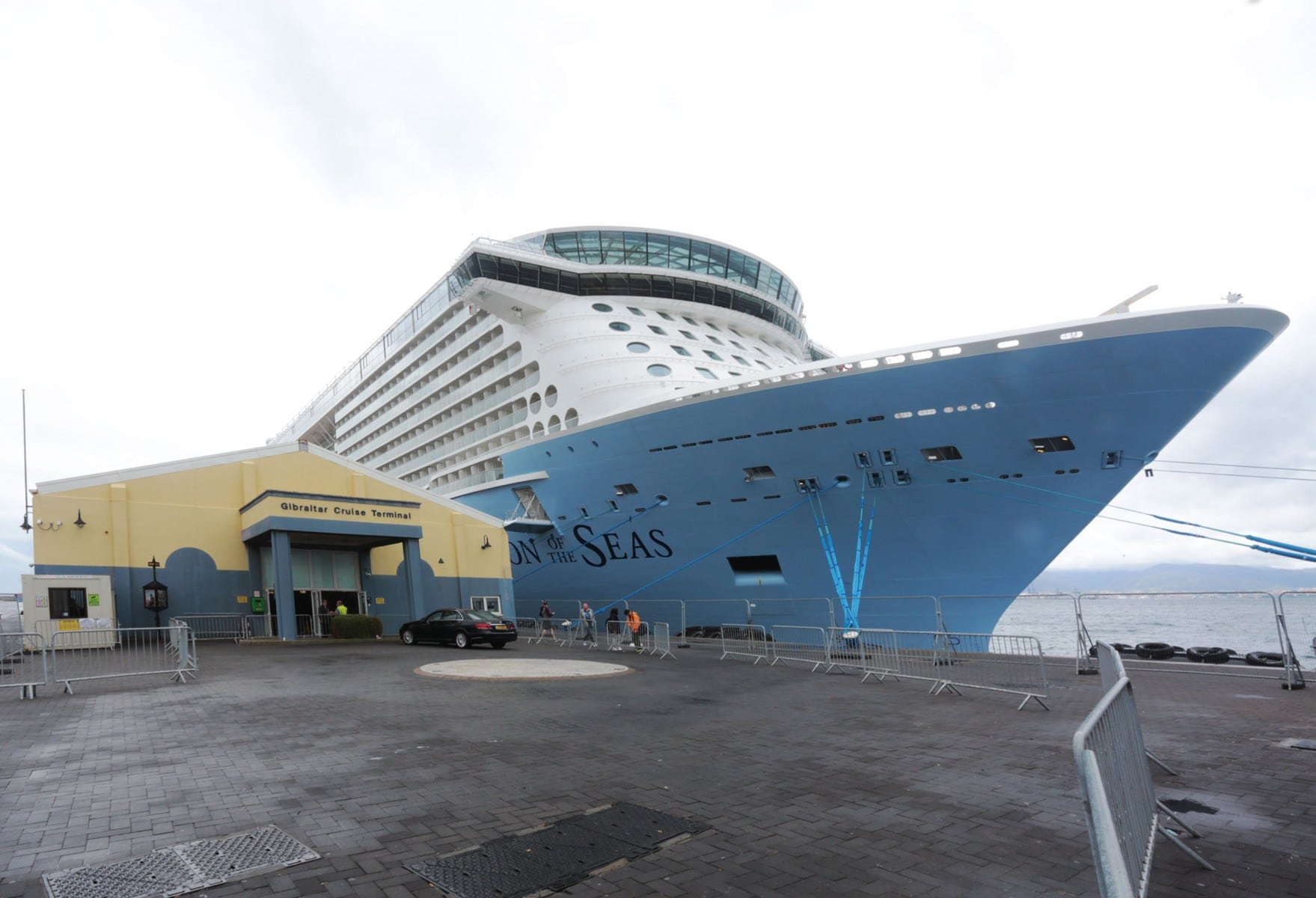 Escala-inaugural-del-crucero-Ovation-of-the-Seas-71