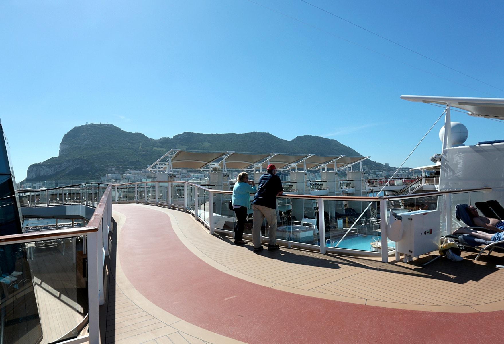 Escala-inaugural-del-crucero-Ovation-of-the-Seas-9