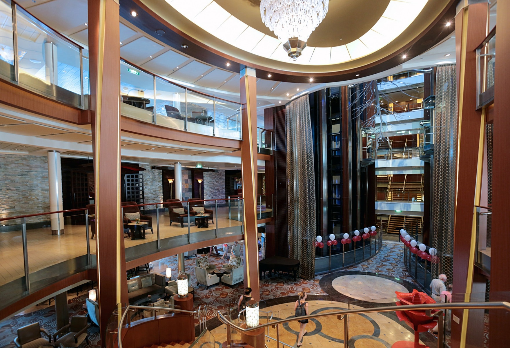Escala-inaugural-del-crucero-Ovation-of-the-Seas-92