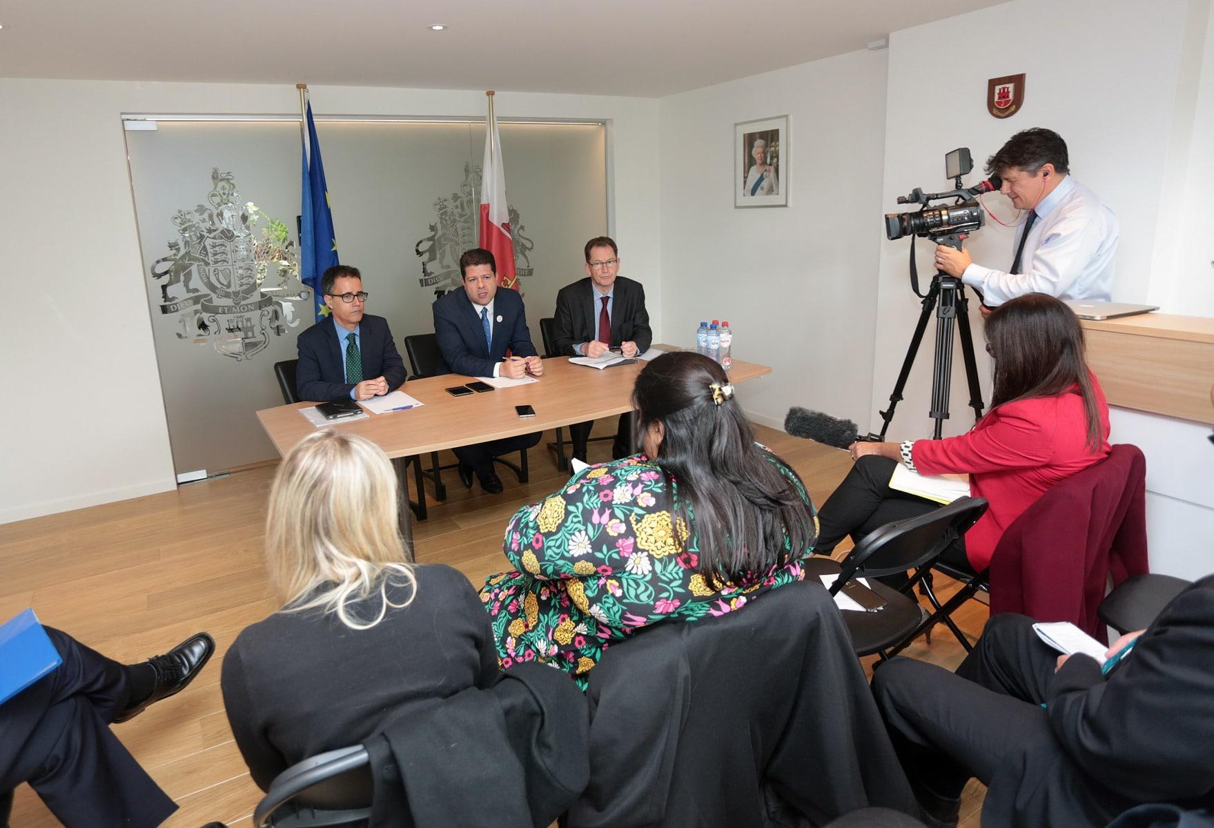 rueda-de-prensa-de-fabin-picardo-y-joseph-garca-en-bruselas_26615738483_o