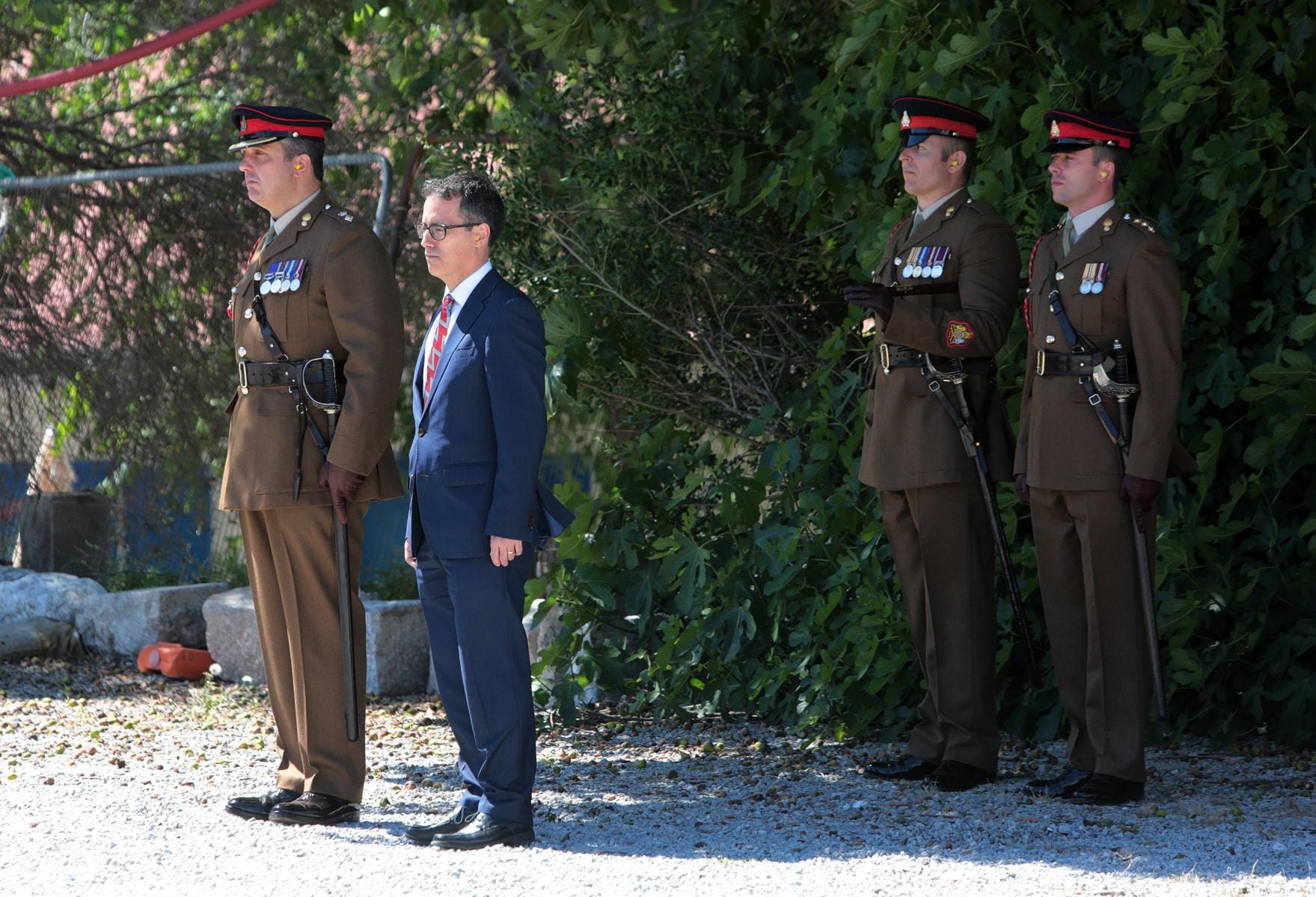 2-jun-2016-salvas-en-gibraltar-honor-al-aniversario-de-coronacin-de-la-reina_26808903004_o
