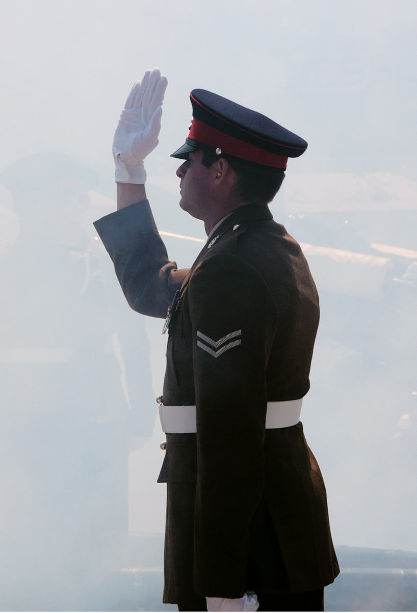 2-jun-2016-salvas-en-gibraltar-honor-al-aniversario-de-coronacin-de-la-reina_27417179785_o