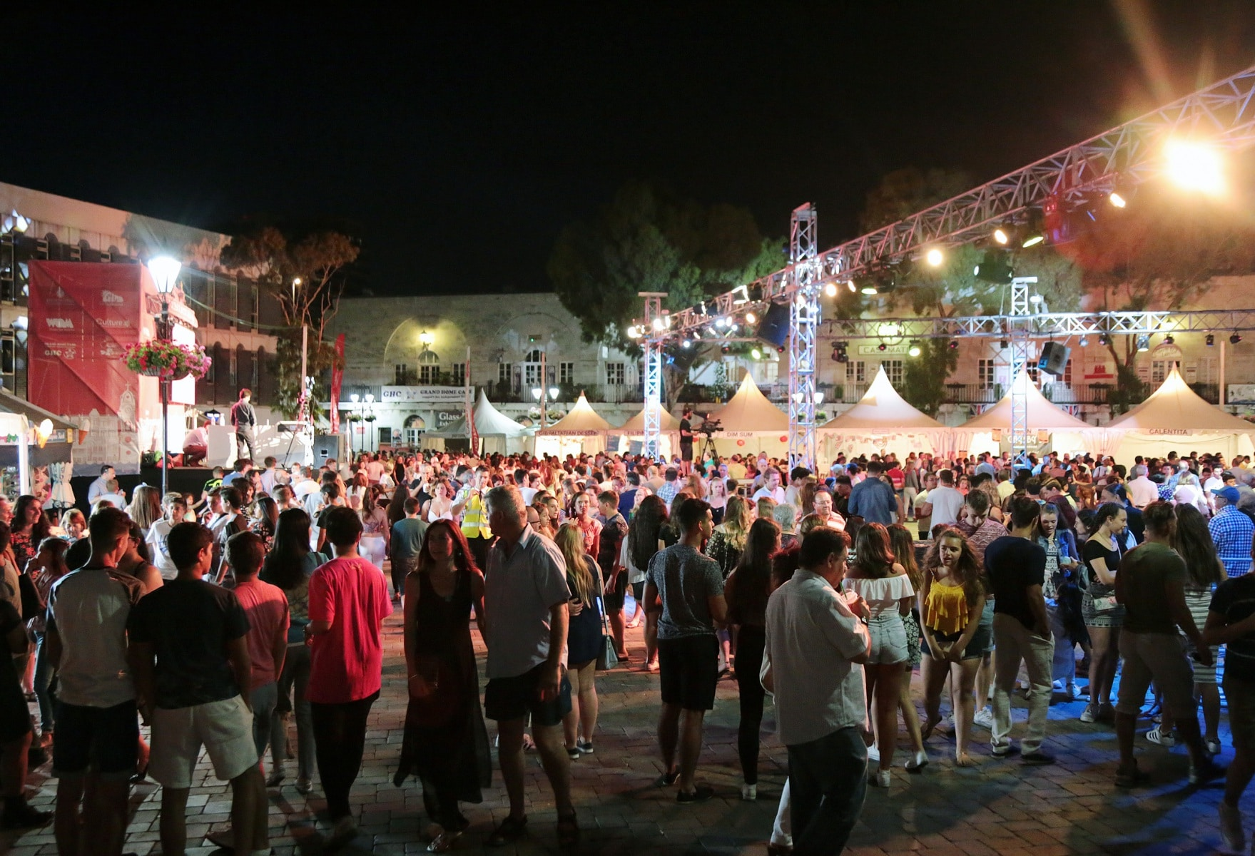 18-jun-2016-noche-de-la-calentita-en-gibraltar_27222140483_o