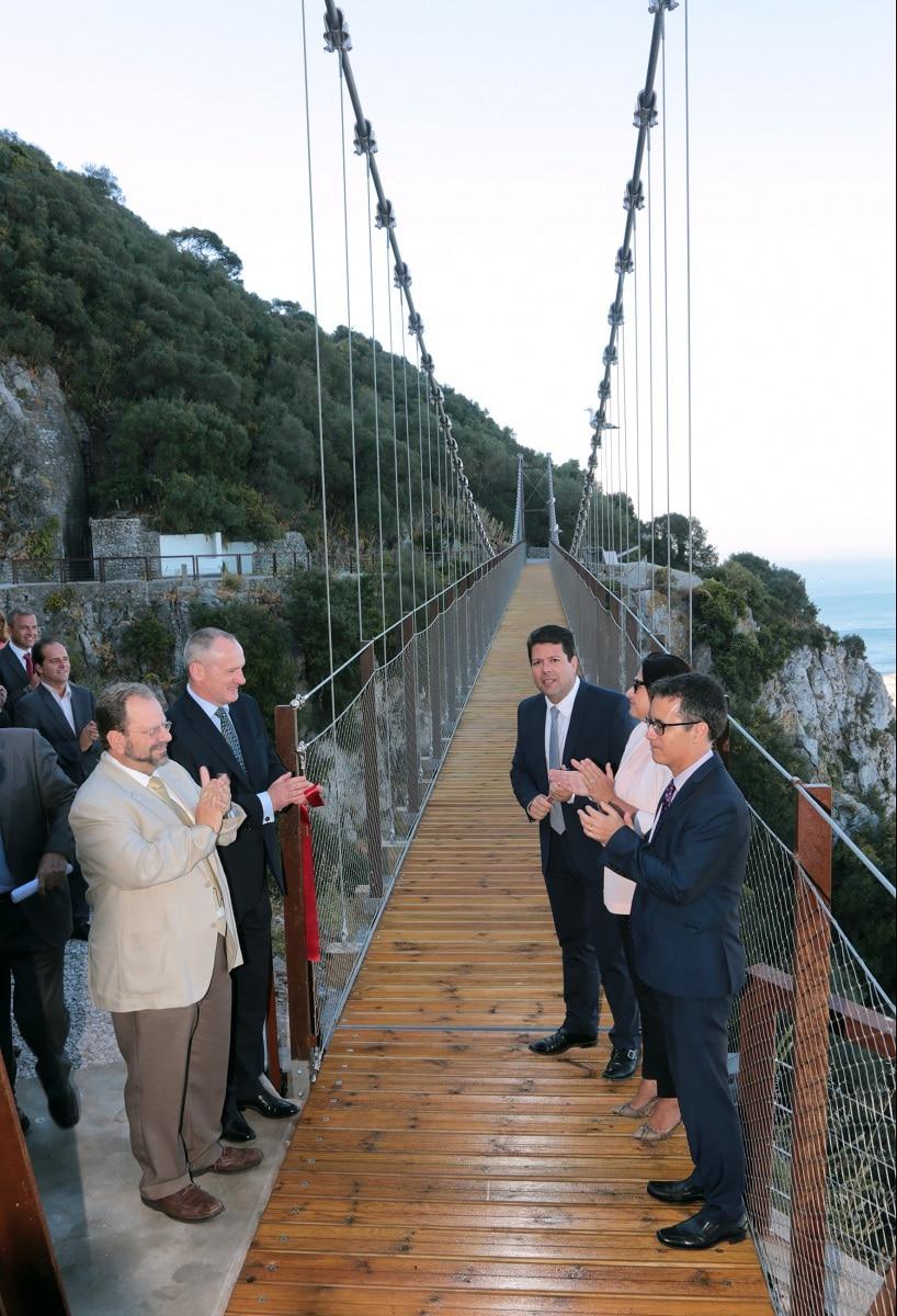 21-jun-2016-inauguracin-puente-colgante-en-la-reserva-natural-del-pen-de-gibraltar_27799937876_o