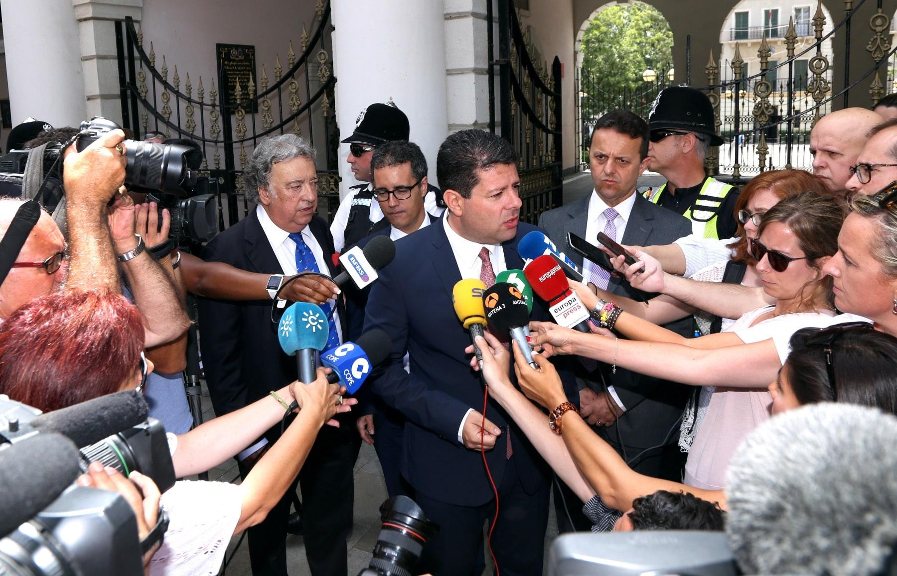 24-jun-2016-comparecencia-de-fabin-picardo-en-el-parlamento-de-gibraltar-tras-referndum-permanencia-ru-en-ue-13_27844258676_o