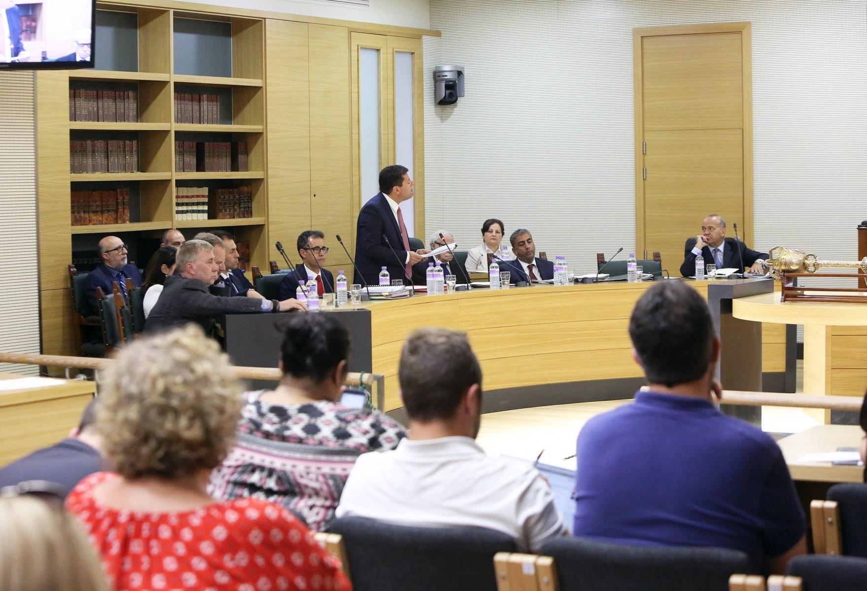 24-jun-2016-comparecencia-de-fabin-picardo-en-el-parlamento-de-gibraltar-tras-referndum-permanencia-ru-en-ue-2_27777751542_o