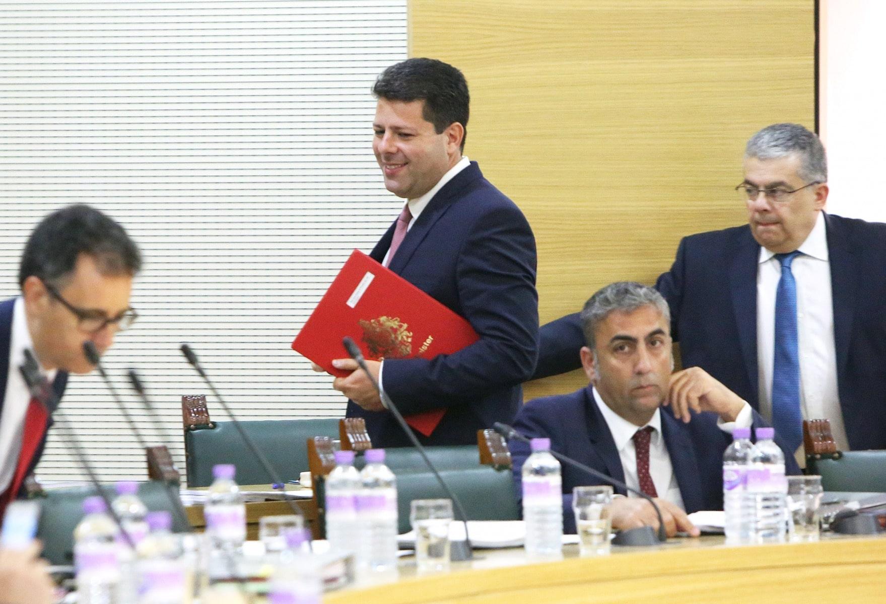 24-jun-2016-comparecencia-de-fabin-picardo-en-el-parlamento-de-gibraltar-tras-referndum-permanencia-ru-en-ue-6_27844264746_o