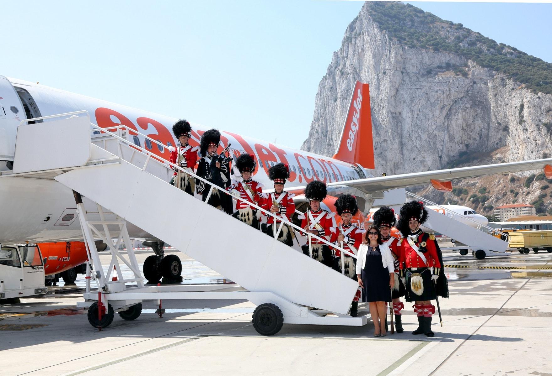 nueva-ruta-area-gibraltar-manchester_27467340033_o