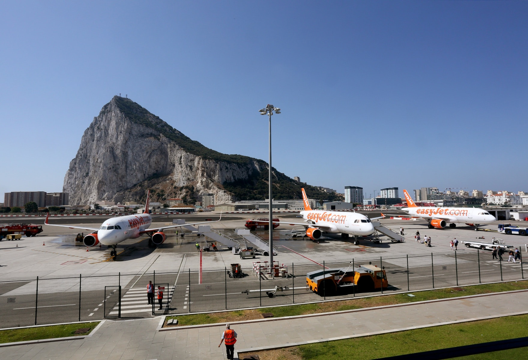 nueva-ruta-area-gibraltar-manchester_27467451353_o