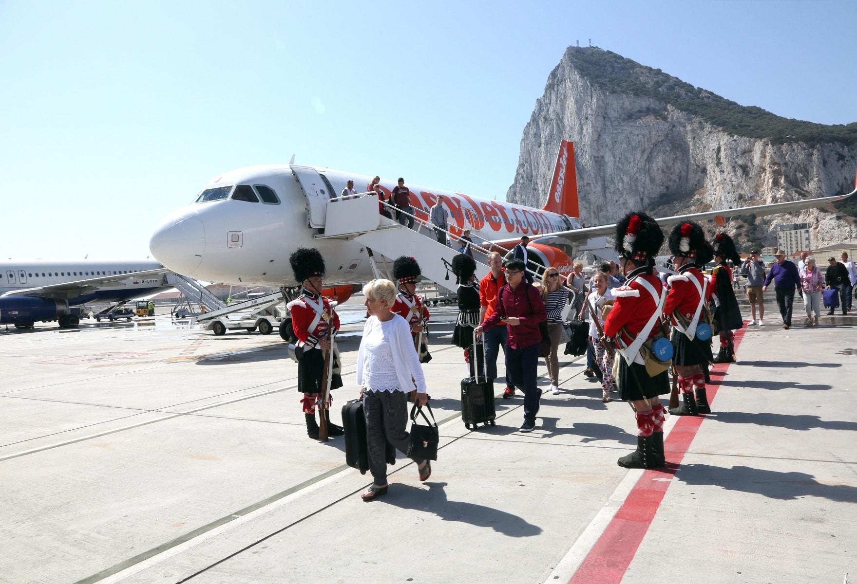 nueva-ruta-area-gibraltar-manchester_27801500160_o
