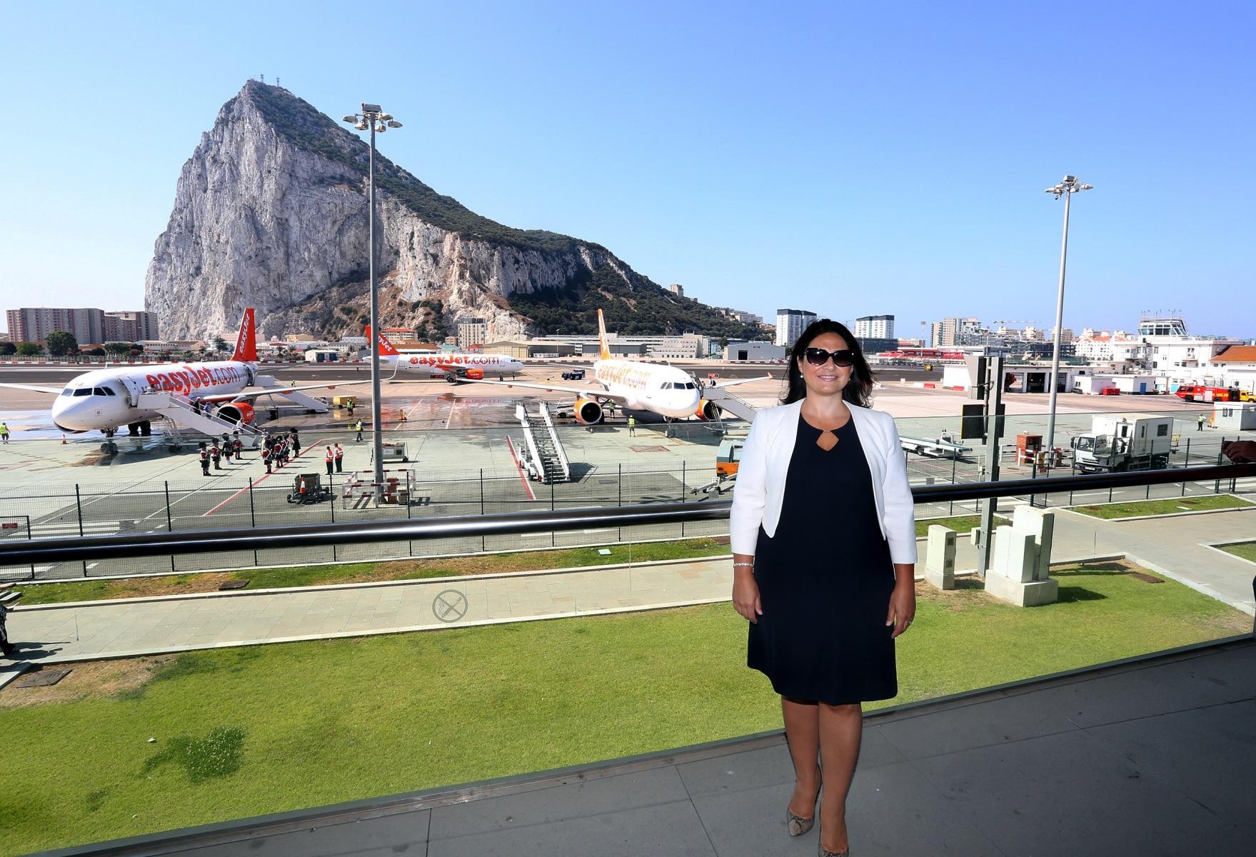 nueva-ruta-area-gibraltar-manchester_27801530840_o