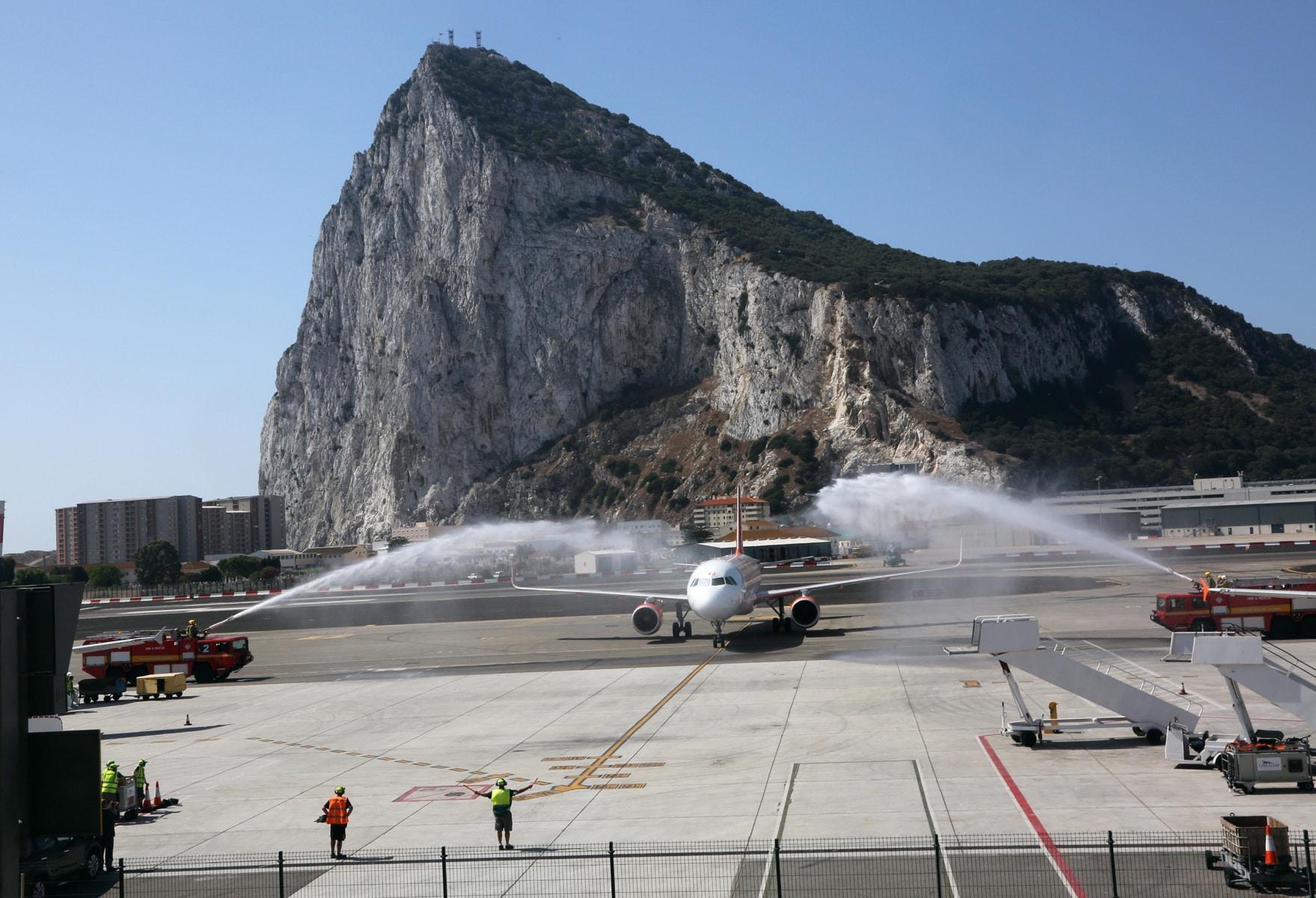nueva-ruta-area-gibraltar-manchester_27801582400_o