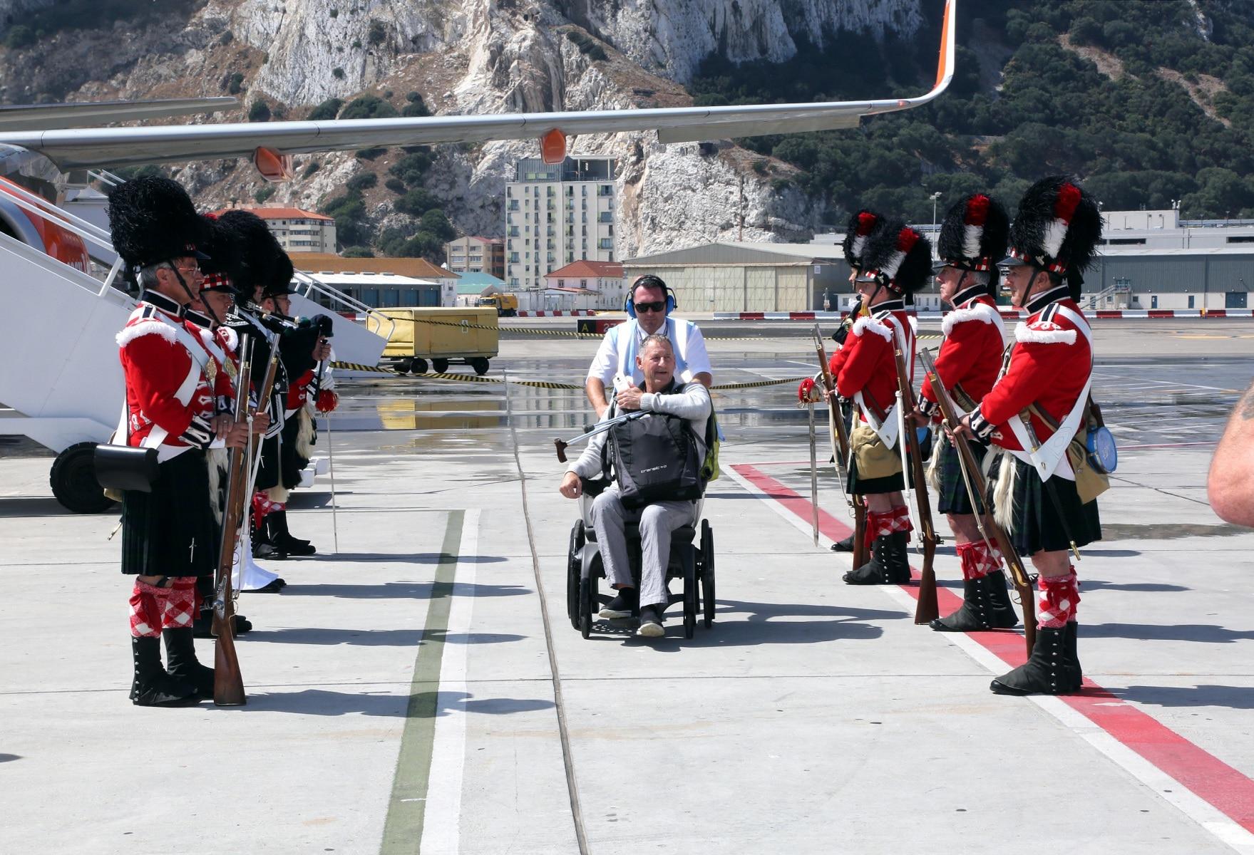 nueva-ruta-area-gibraltar-manchester_27979619192_o