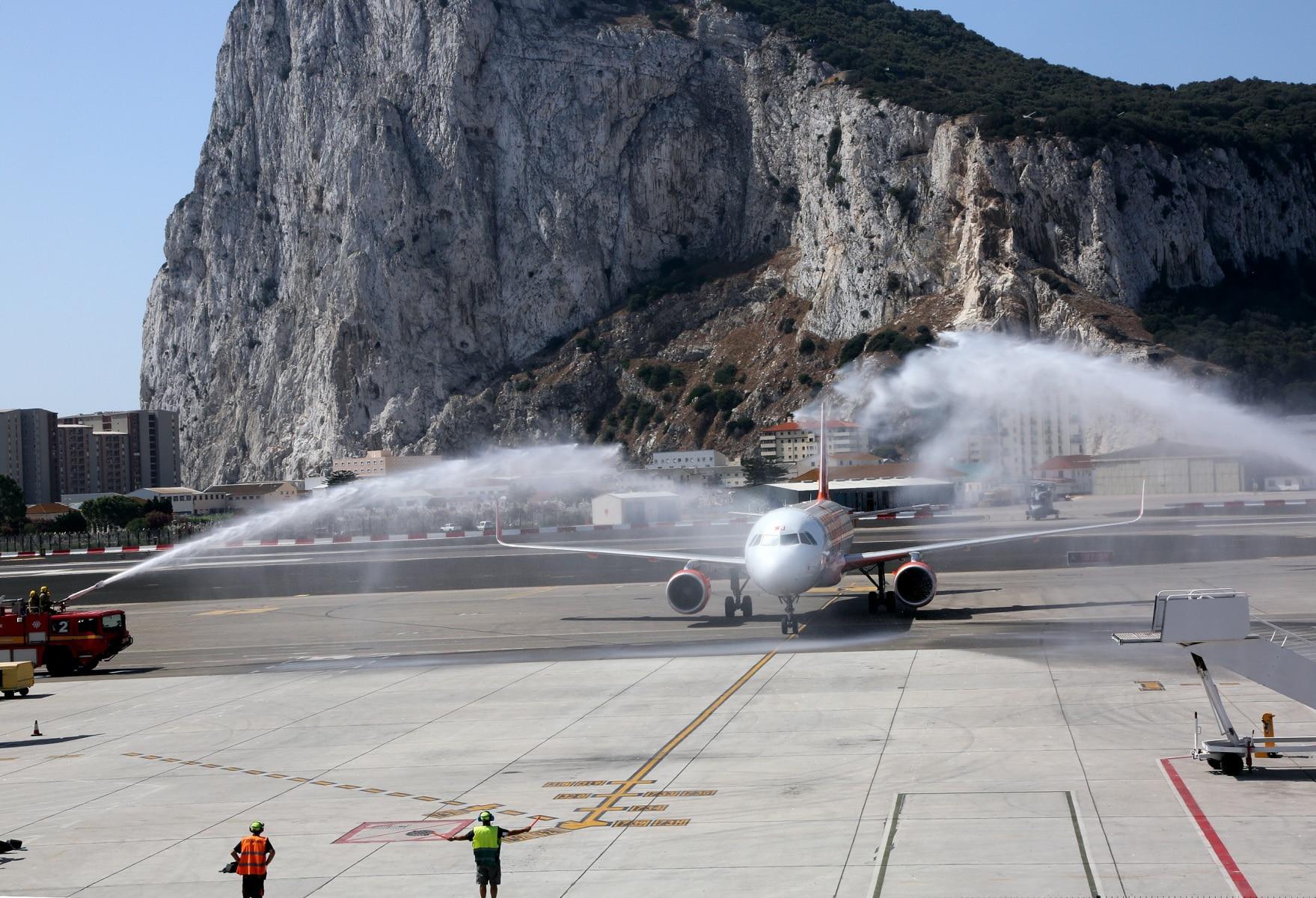 nueva-ruta-area-gibraltar-manchester_27979718962_o