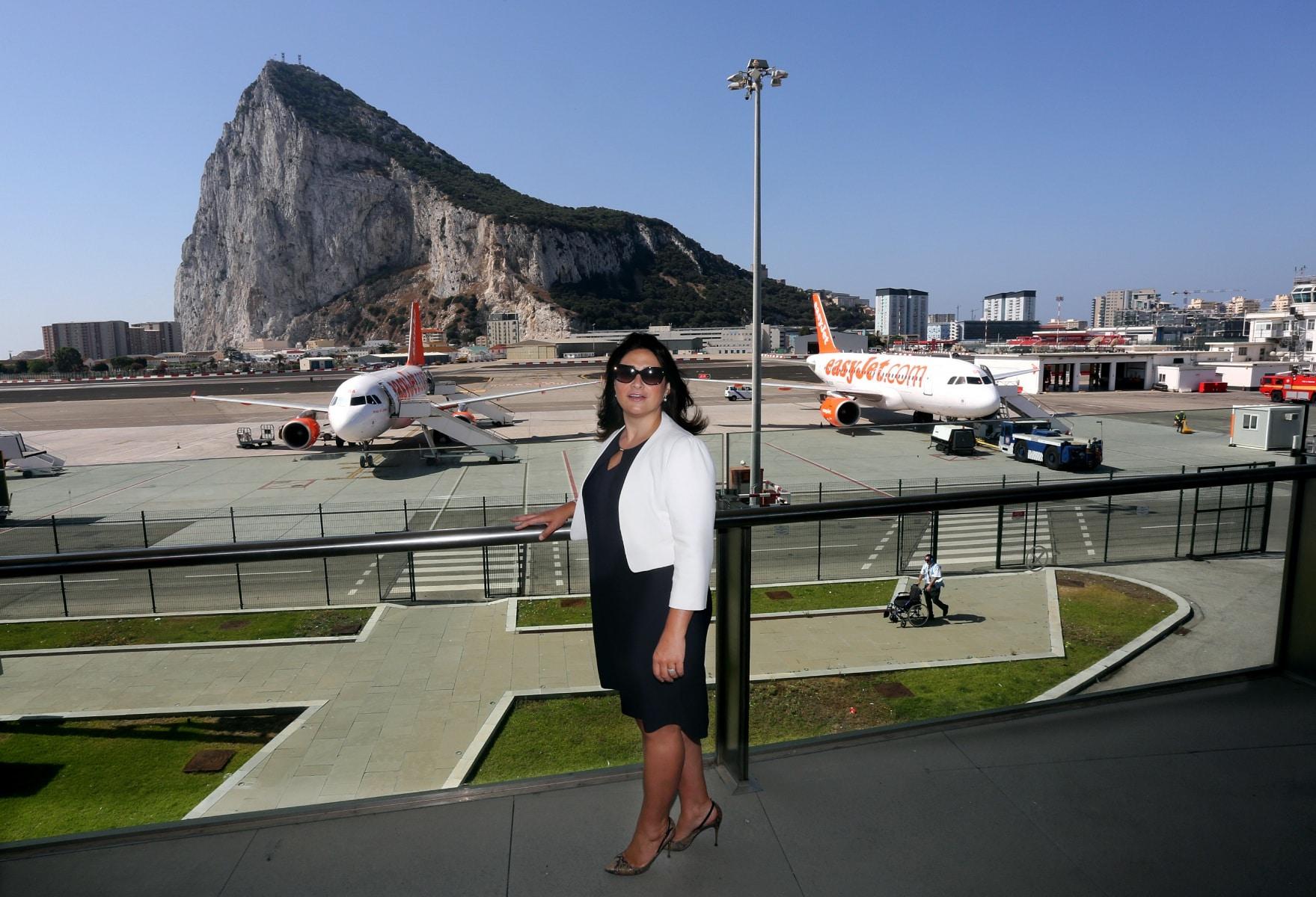 nueva-ruta-area-gibraltar-manchester_28004592771_o