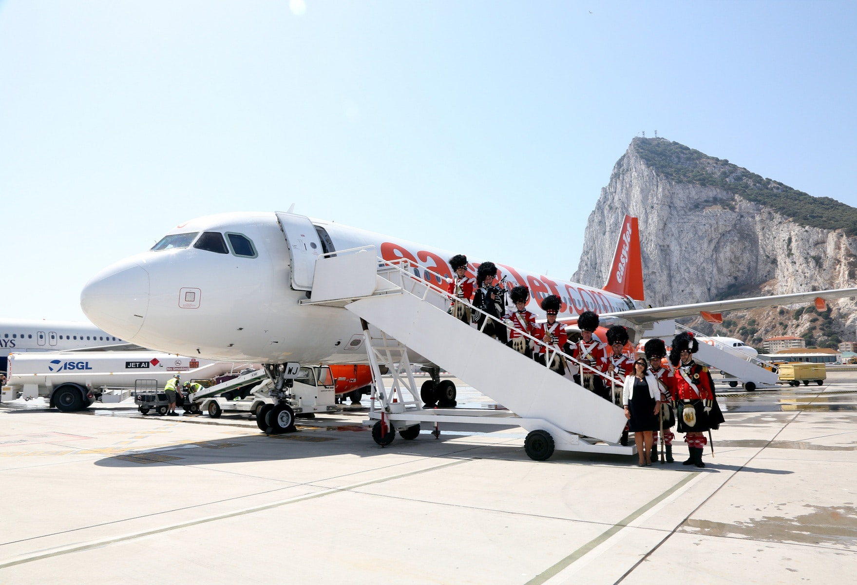nueva-ruta-area-gibraltar-manchester_28082061395_o
