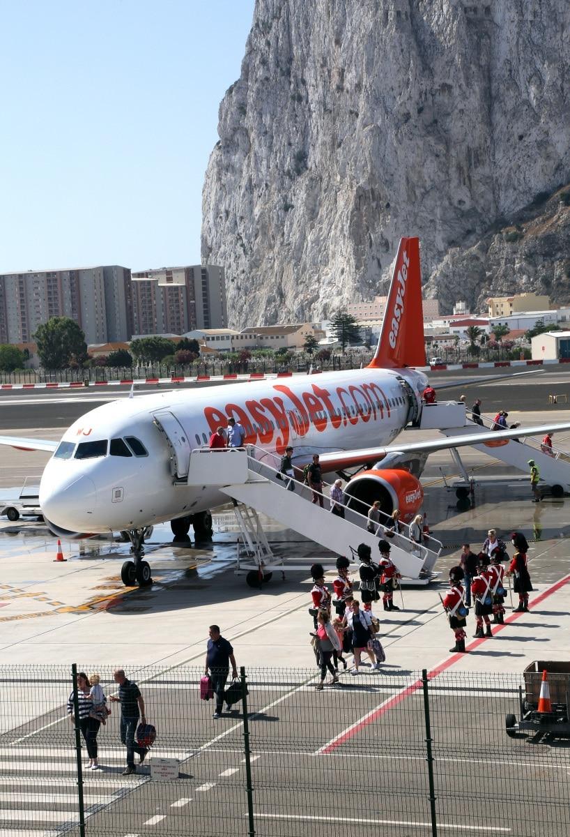 nueva-ruta-area-gibraltar-manchester_28082170395_o