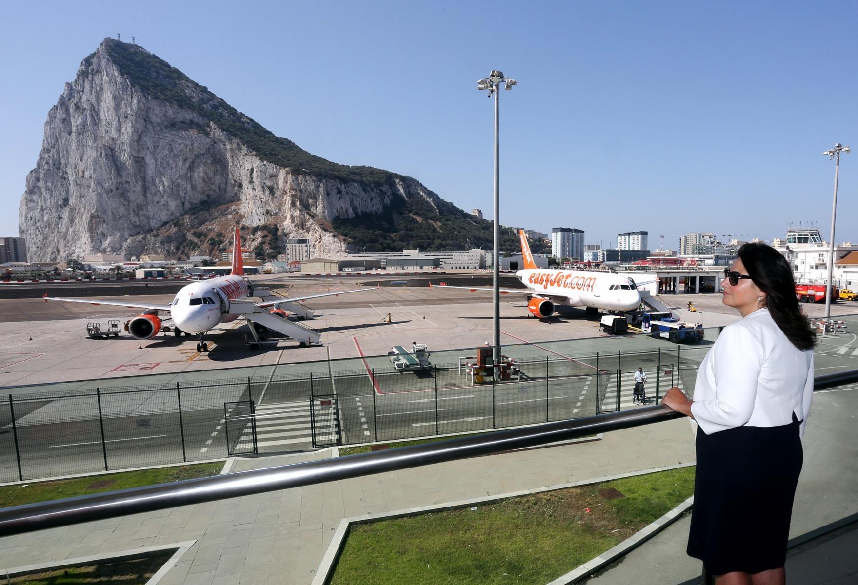 nueva-ruta-area-gibraltar-manchester_28082275775_o