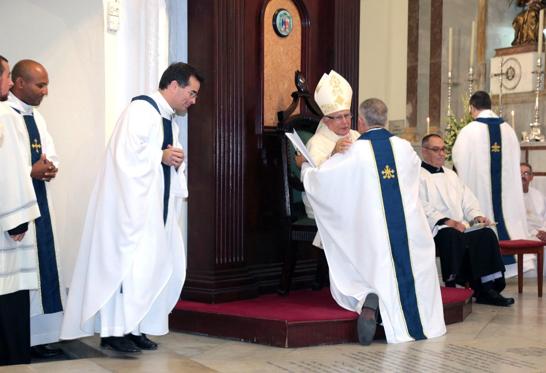 24-sep-2016-toma-de-posesin-de-carmelo-zammit-del-cargo-de-obispo-de-gibraltar_29332130534_o