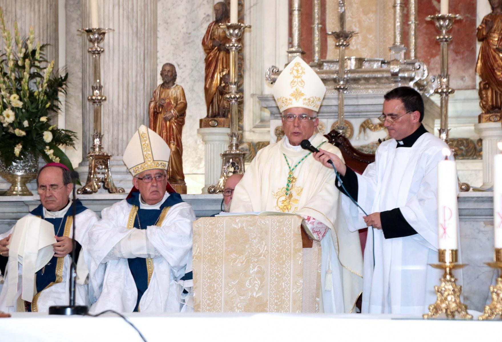 24-sep-2016-toma-de-posesin-de-carmelo-zammit-del-cargo-de-obispo-de-gibraltar_29876084441_o