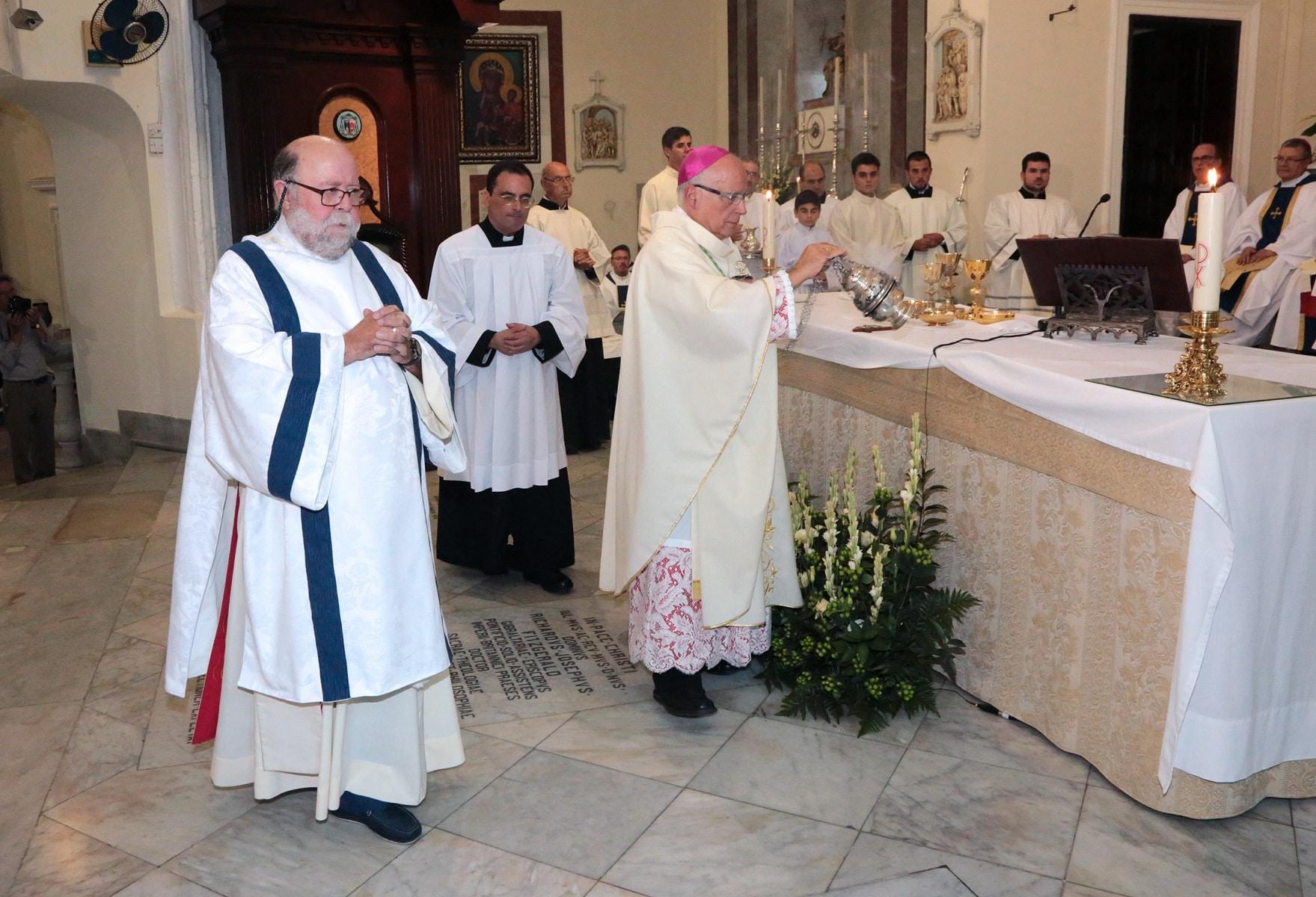 24-sep-2016-toma-de-posesin-de-carmelo-zammit-del-cargo-de-obispo-de-gibraltar_29876090451_o