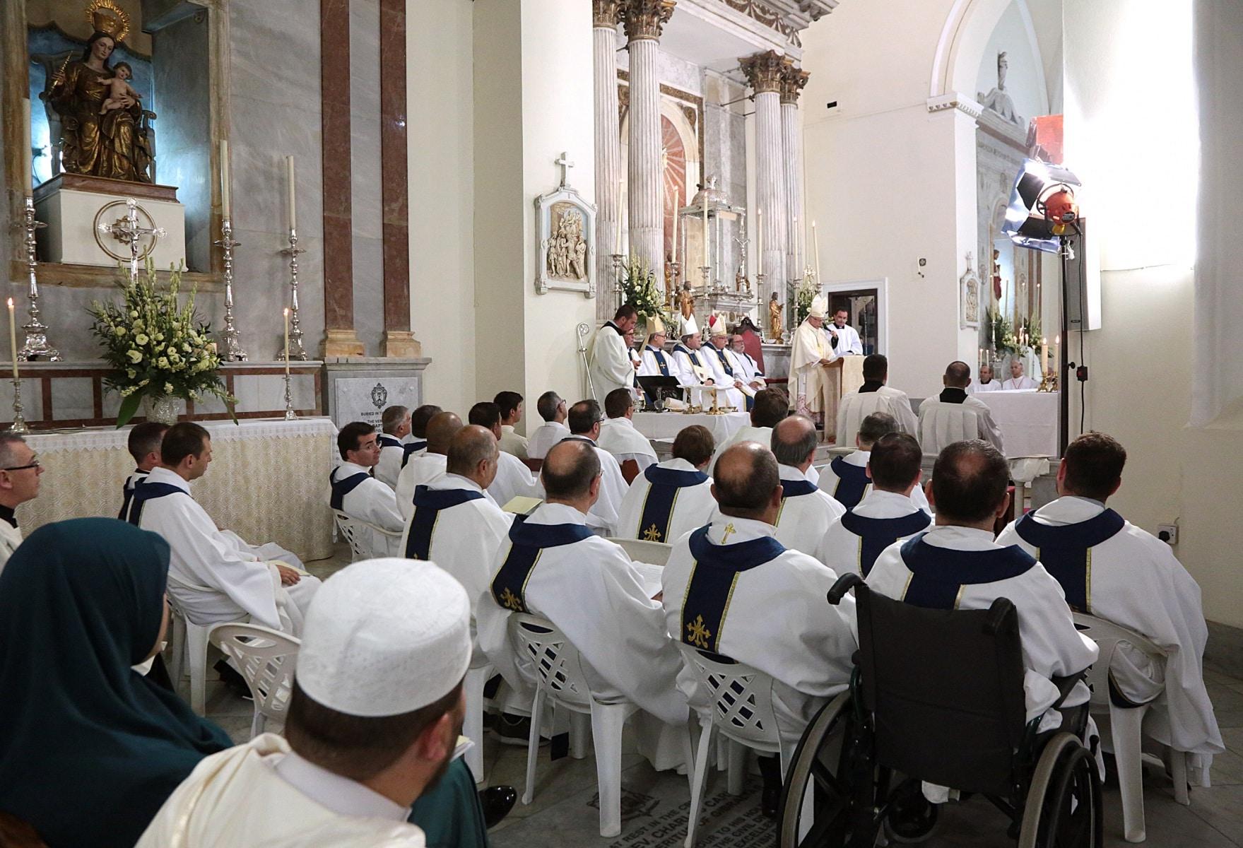 24-sep-2016-toma-de-posesin-de-carmelo-zammit-del-cargo-de-obispo-de-gibraltar_29876091821_o