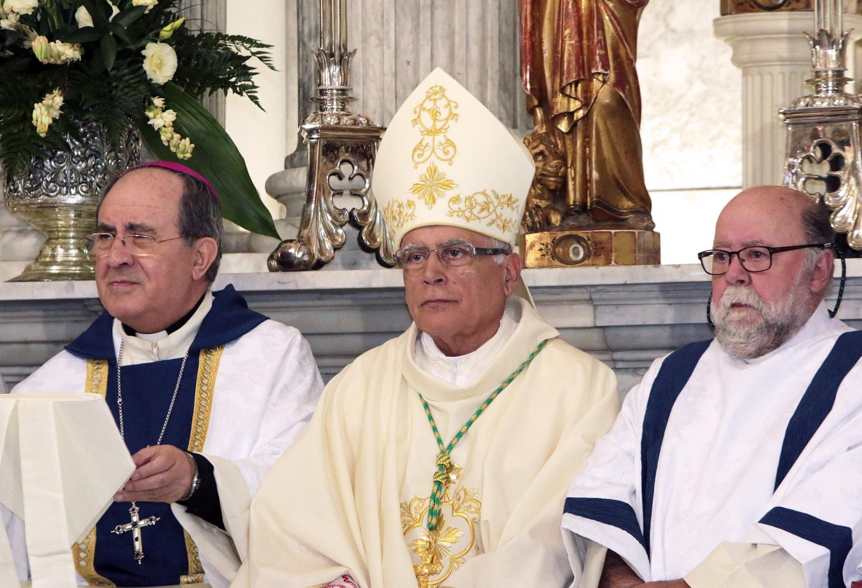 24-sep-2016-toma-de-posesin-de-carmelo-zammit-del-cargo-de-obispo-de-gibraltar_29959235825_o