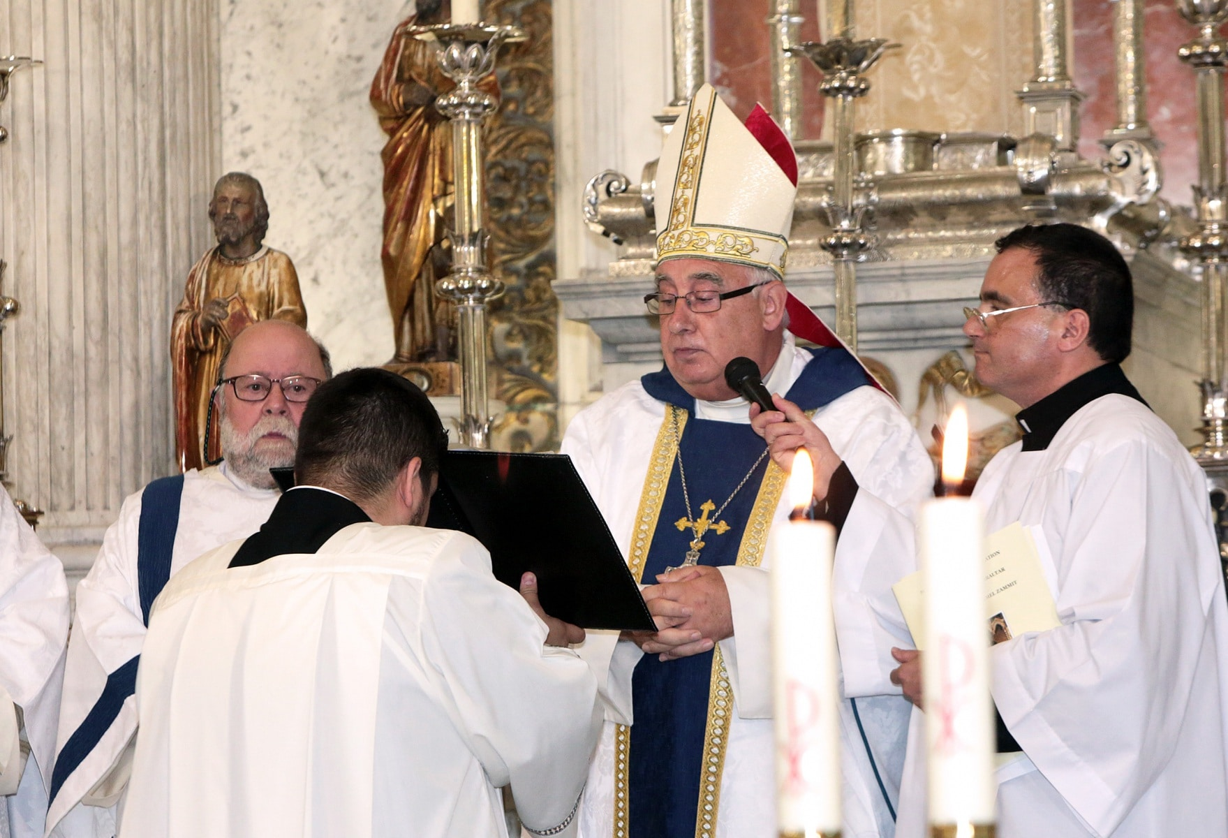 24-sep-2016-toma-de-posesin-de-carmelo-zammit-del-cargo-de-obispo-de-gibraltar_29959238345_o