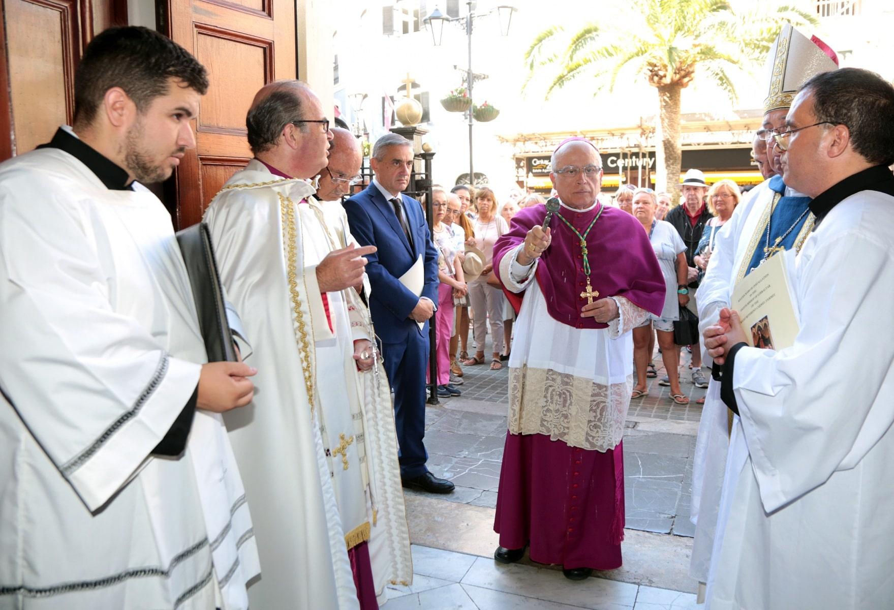 24-sep-2016-toma-de-posesin-de-carmelo-zammit-del-cargo-de-obispo-de-gibraltar_29959238735_o