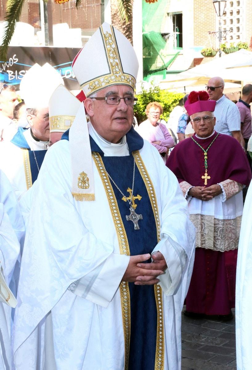 24-sep-2016-toma-de-posesin-de-carmelo-zammit-del-cargo-de-obispo-de-gibraltar_29959239725_o