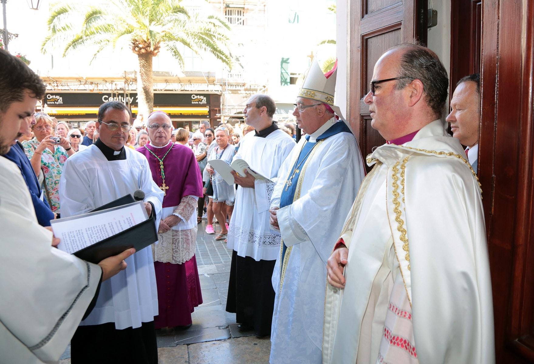 24-sep-2016-toma-de-posesin-de-carmelo-zammit-del-cargo-de-obispo-de-gibraltar_29959239875_o