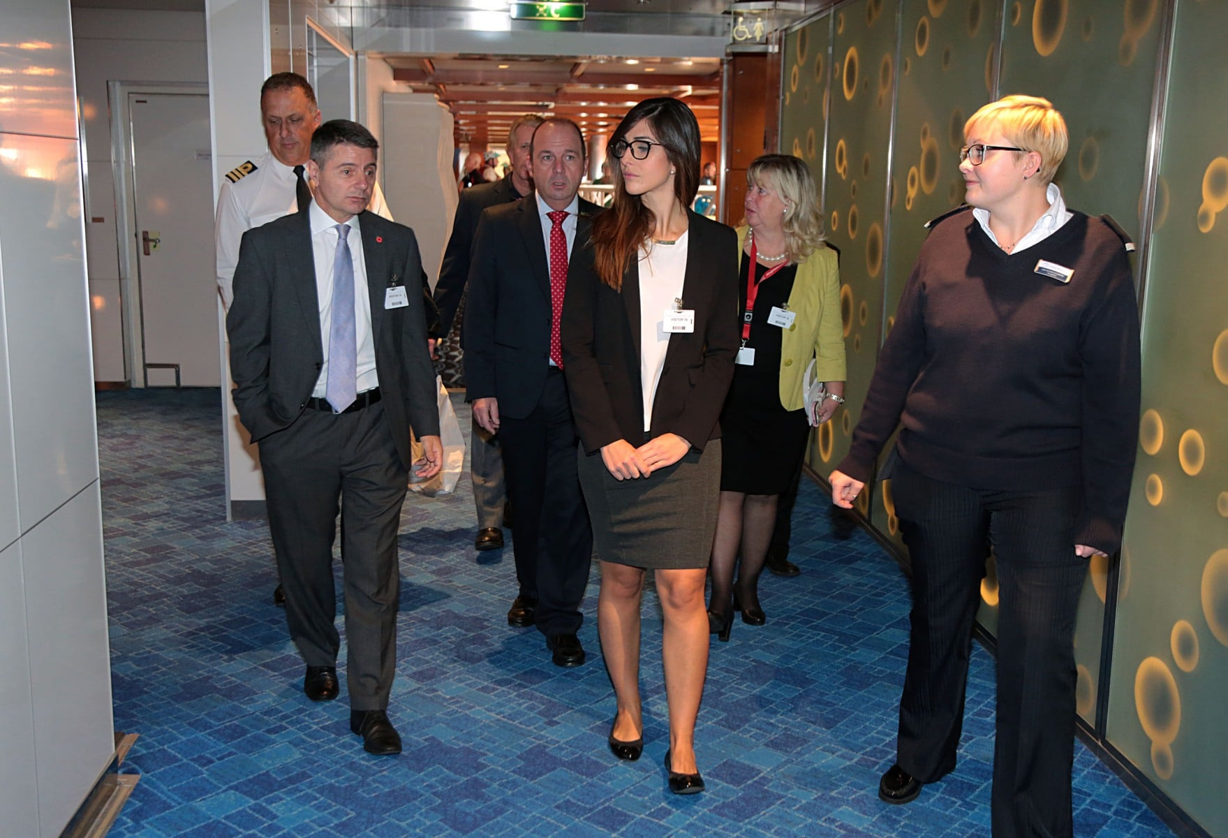 12-de-noviembre-de-2016-visita-del-ministro-licudi-al-mein-schiff-27_30874576241_o