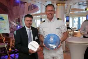 161112 Visita del ministro Licudi al crucero 'Mein Schiff'
