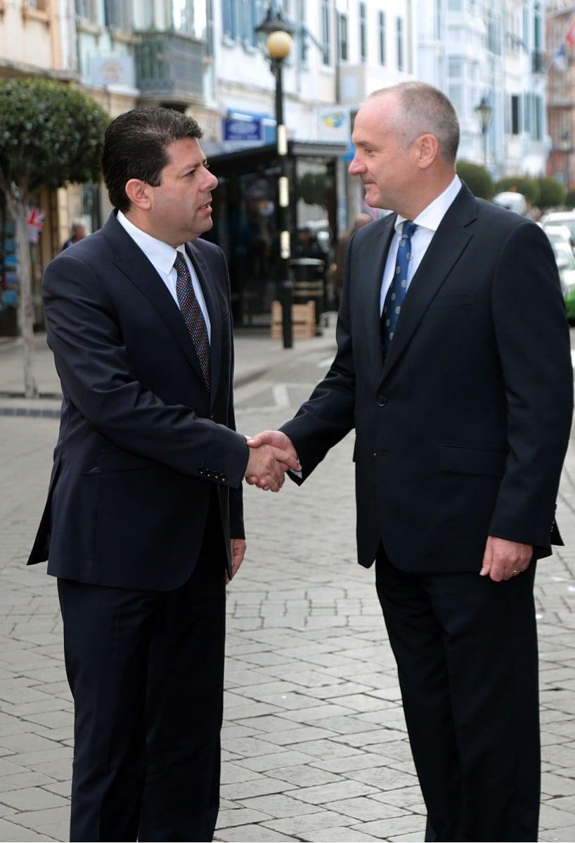 gibraltar-recuerda-a-las-vctimas-de-los-ataques-de-pars_30946069256_o