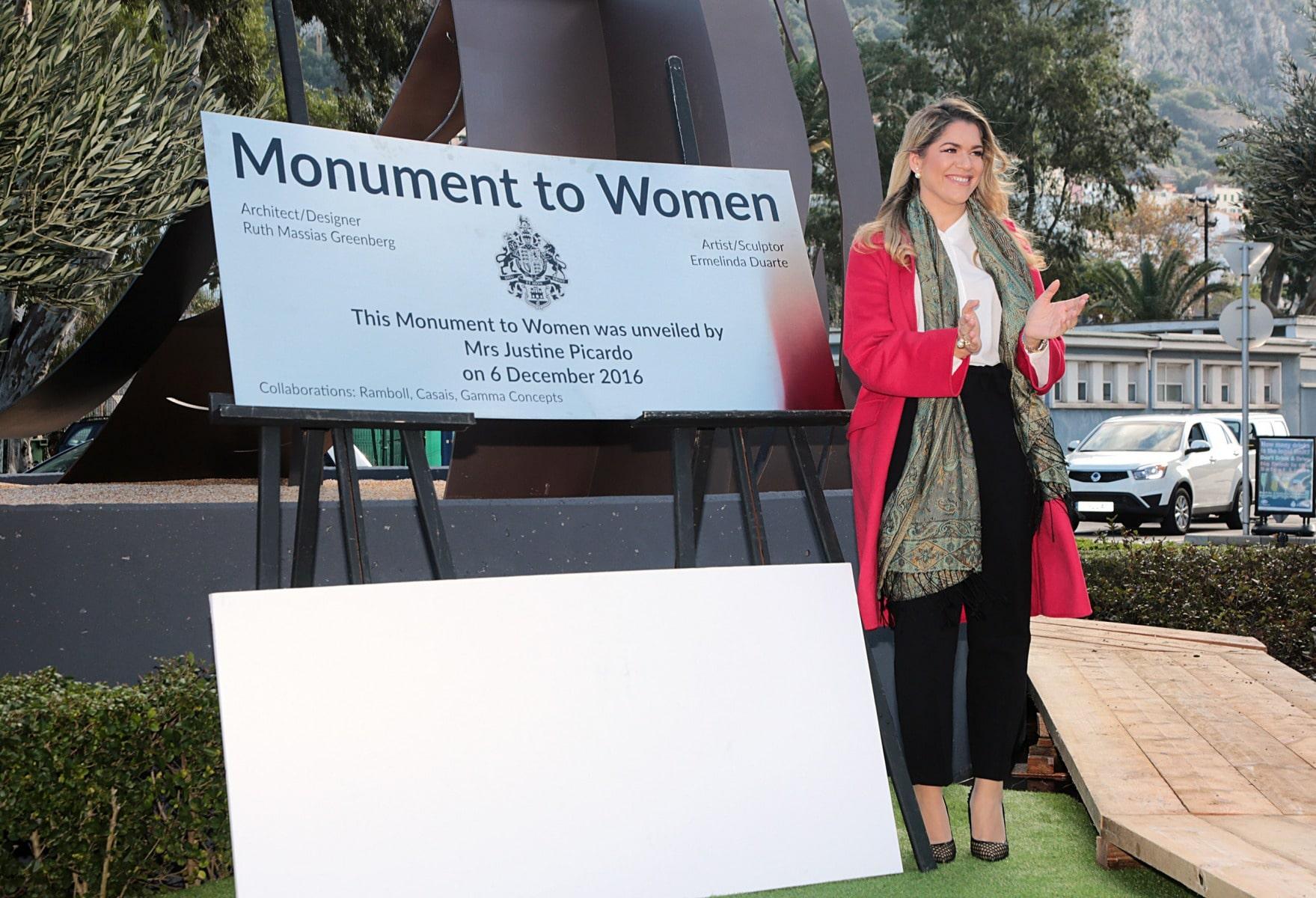 inauguracin-del-monumento-a-la-mujer-en-gibraltar_31093429520_o
