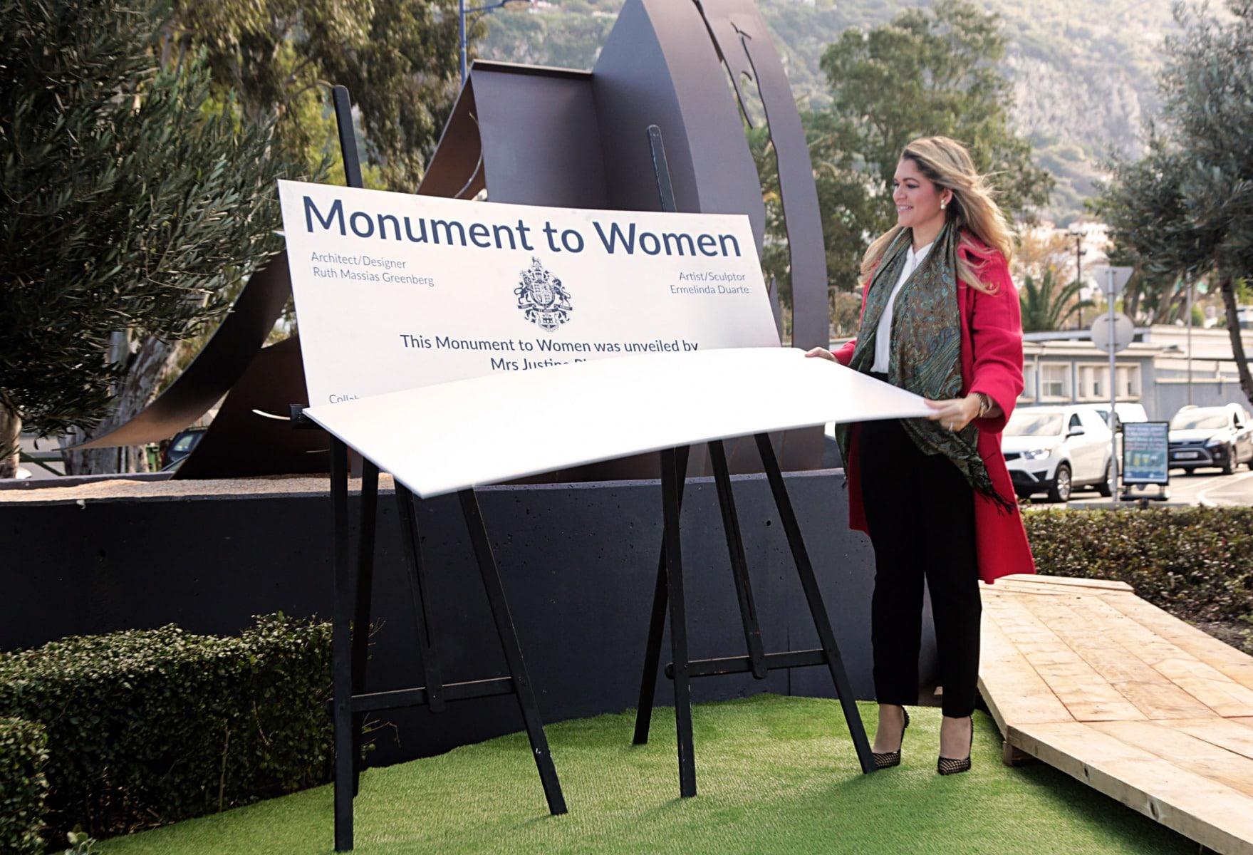 inauguracin-del-monumento-a-la-mujer-en-gibraltar_31093429780_o