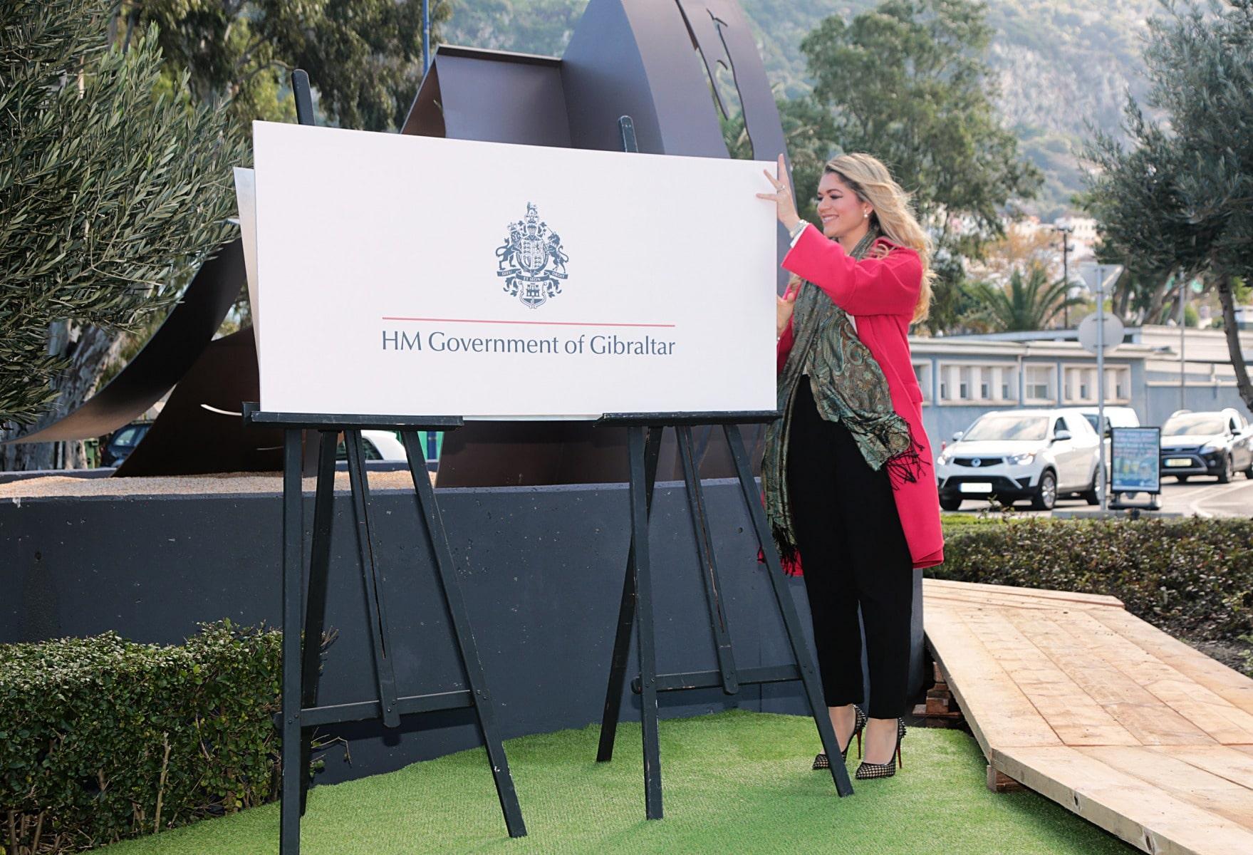 inauguracin-del-monumento-a-la-mujer-en-gibraltar_31093430130_o