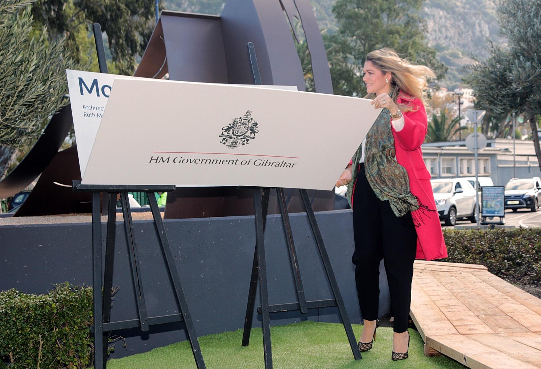 inauguracin-del-monumento-a-la-mujer-en-gibraltar_31427348306_o