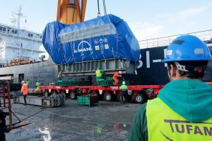 161206 Llegada de generadores para la nueva planta eléctrica