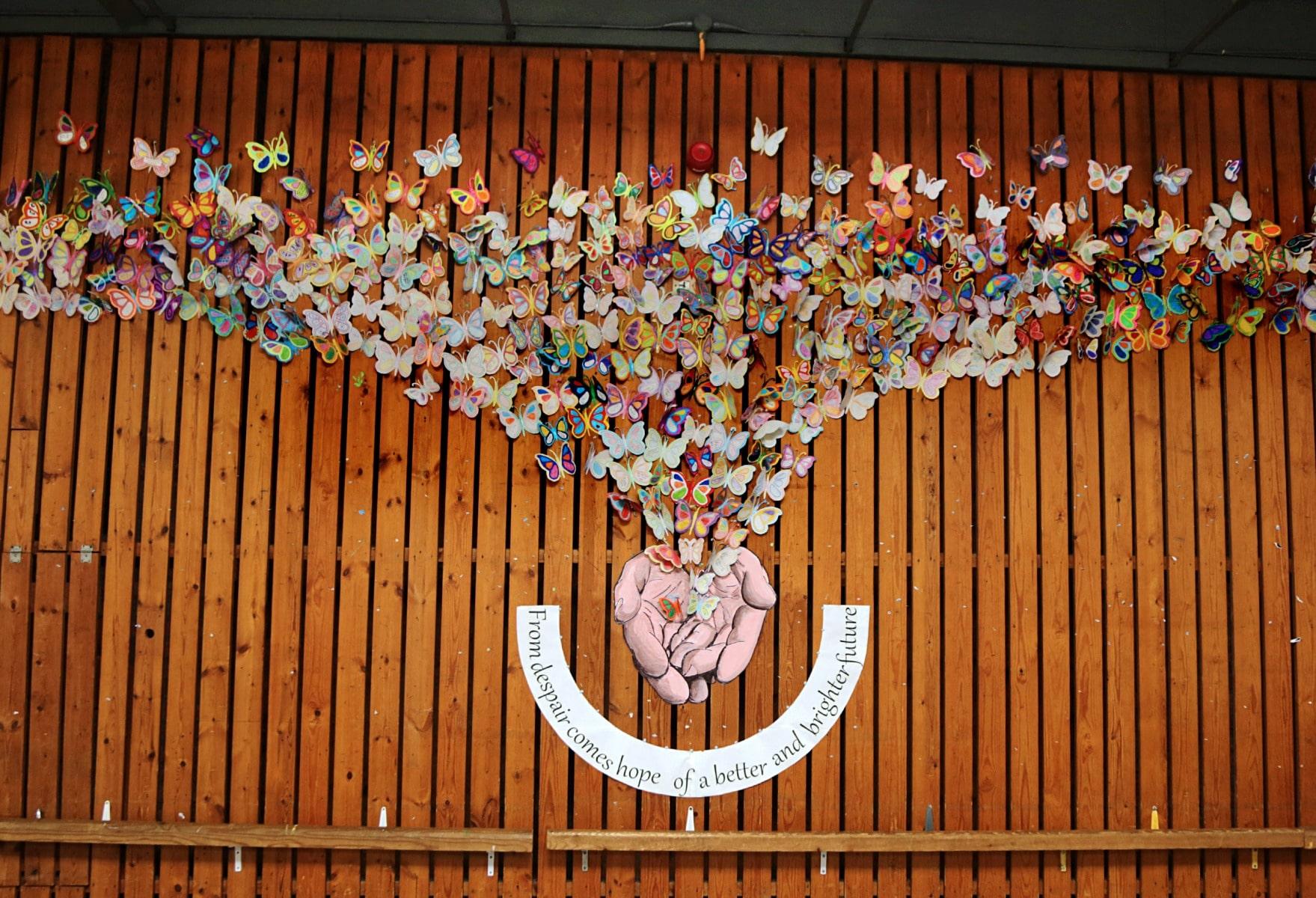 27-ene-17-alumnos-de-la-escuela-obispo-fitzgerald-de-gibraltar-conmemoran-el-holocausto_31742371673_o