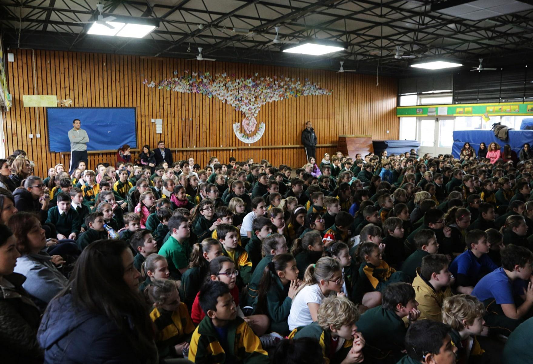 27-ene-17-alumnos-de-la-escuela-obispo-fitzgerald-de-gibraltar-conmemoran-el-holocausto_31742372693_o