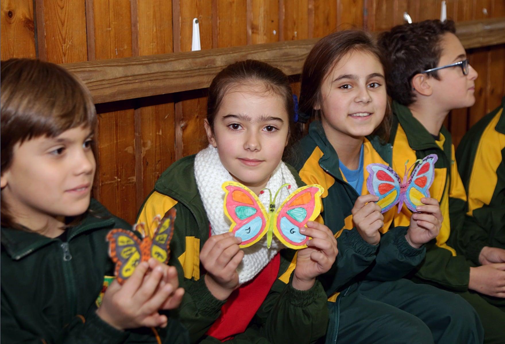 27-ene-17-alumnos-de-la-escuela-obispo-fitzgerald-de-gibraltar-conmemoran-el-holocausto_31742375143_o