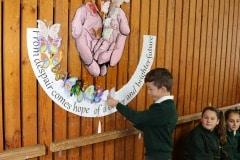 27-ene-17-alumnos-de-la-escuela-obispo-fitzgerald-de-gibraltar-conmemoran-el-holocausto_31742373573_o