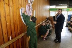 27-ene-17-alumnos-de-la-escuela-obispo-fitzgerald-de-gibraltar-conmemoran-el-holocausto_31742374263_o