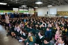 27-ene-17-alumnos-de-la-escuela-obispo-fitzgerald-de-gibraltar-conmemoran-el-holocausto_31742374973_o