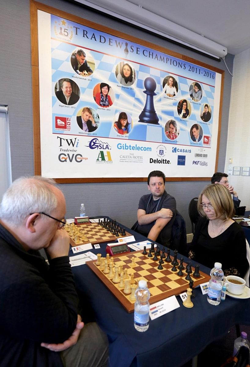 27-ene-17-fabin-picardo-visita-el-open-de-gibraltar-de-ajedrez-15_32401771962_o