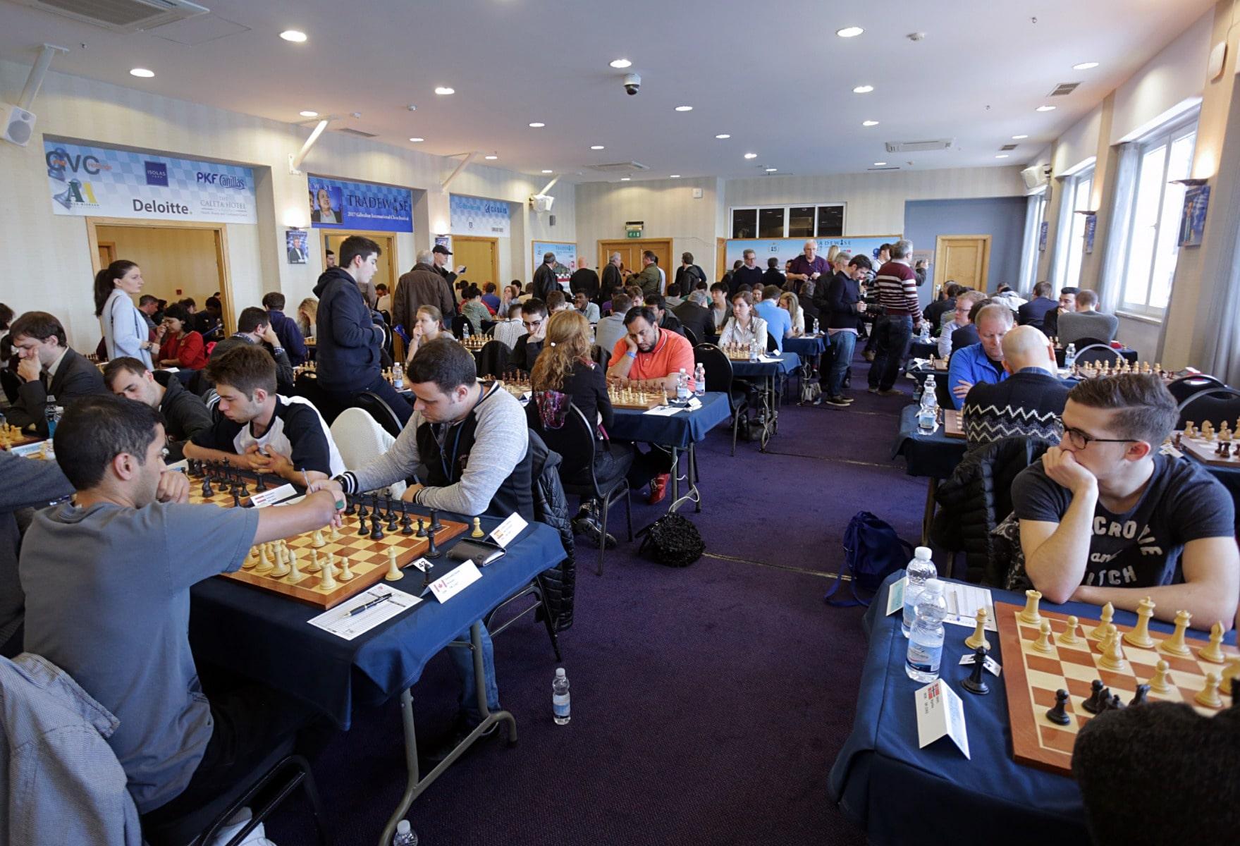 27-ene-17-fabin-picardo-visita-el-open-de-gibraltar-de-ajedrez-16_32175359800_o