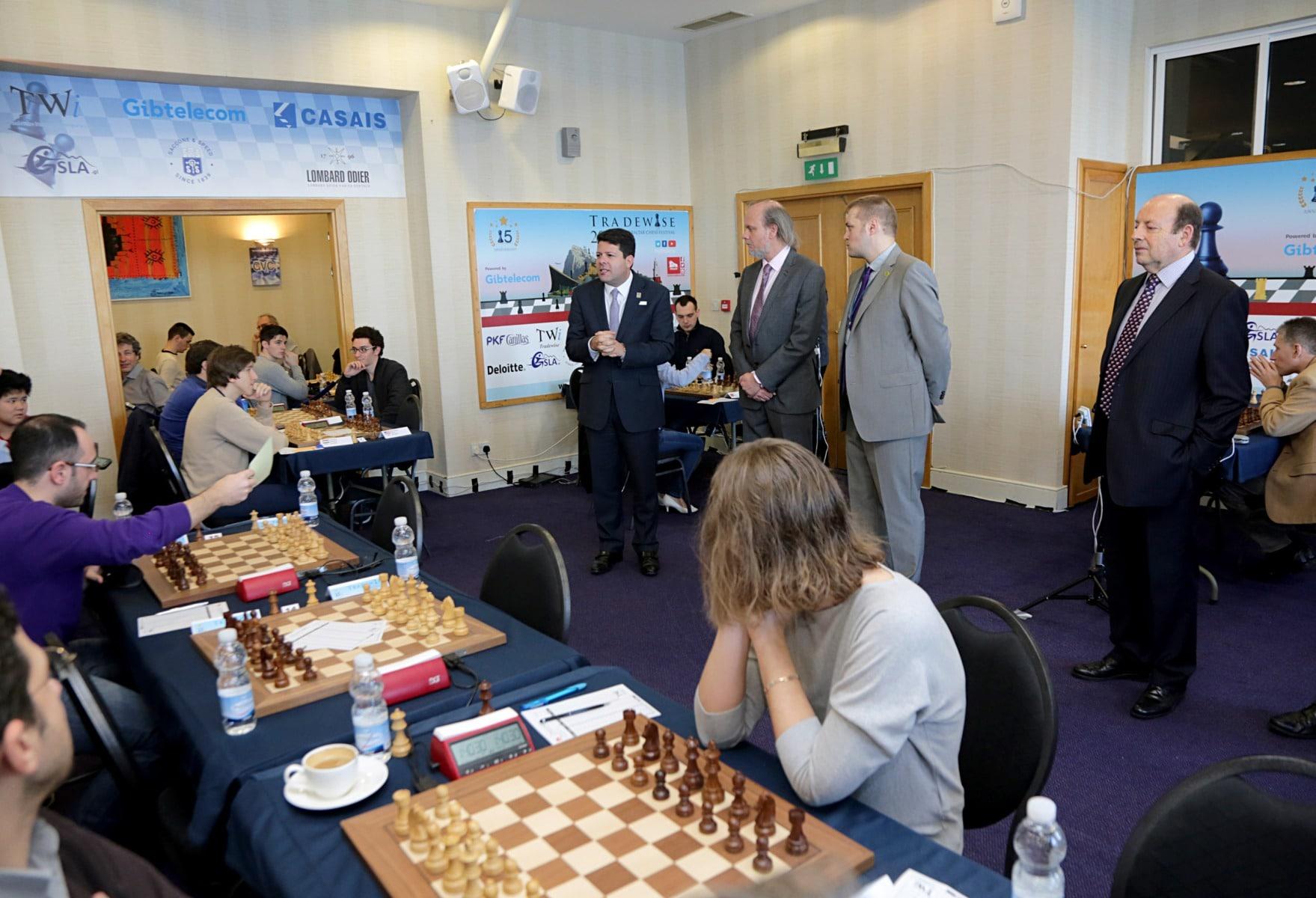27-ene-17-fabin-picardo-visita-el-open-de-gibraltar-de-ajedrez-8_31742539443_o