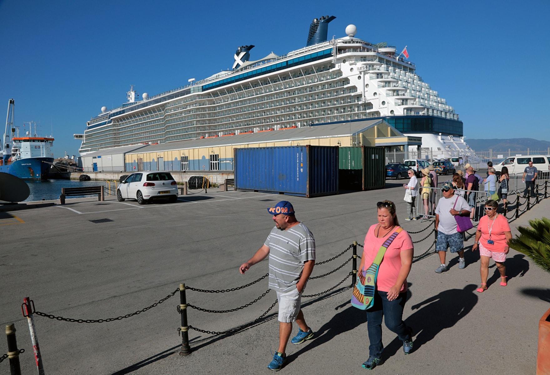 08-may-2017-27visita-inaugural-del-crucero-celebrity-or-reflection-a-gibraltar_33895390134_o