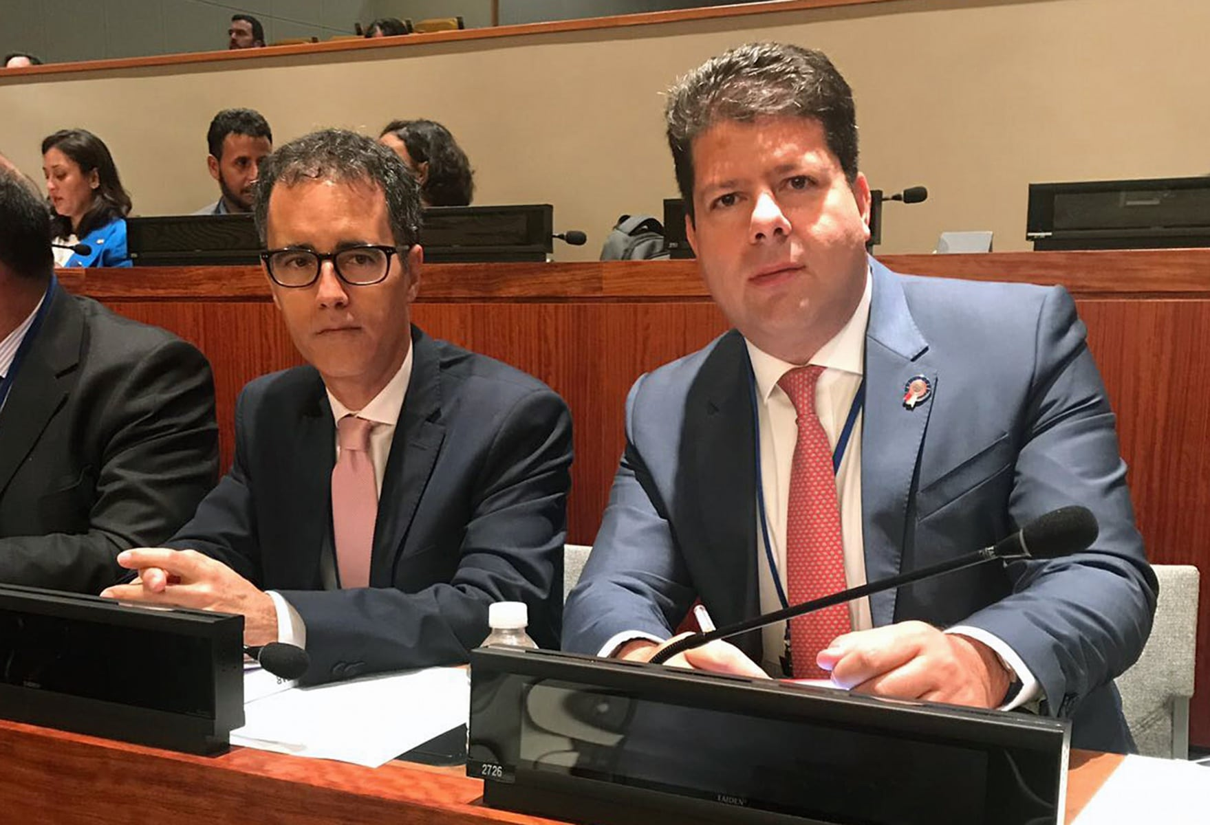 4-oct-2017-cm-y-representantes-de-gibraltar-en-cuarta-comisin-de-naciones-unidas-2_37398299350_o